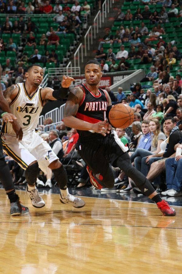 Damian Lillard Assists In Marriage Proposal Basketball Society
