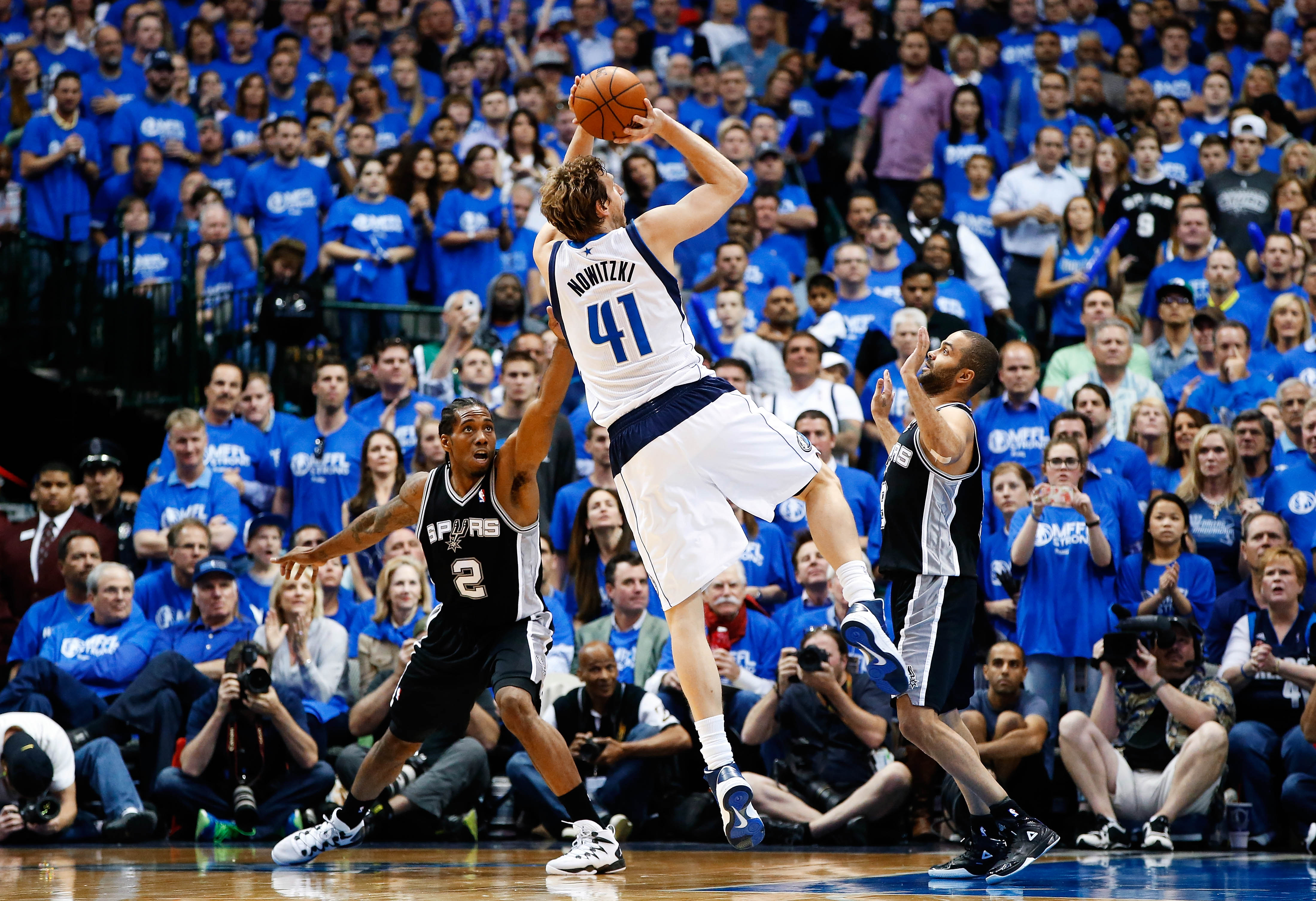 HQ shot of Dirk's fadeaway vs. the Spurs (x-post from r ...